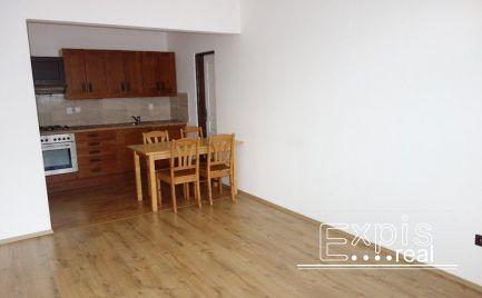 PRENÁJOM 3 -izbový priestranný slnečný byt  na ulici Dvojkrížna vo Vrakuni -Bratislava . EXPISREAL