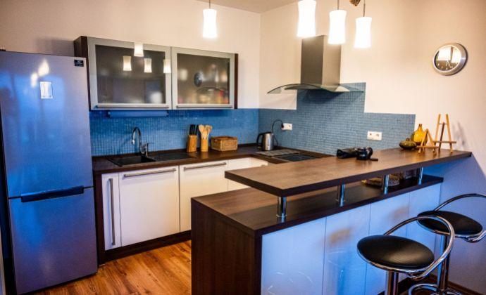 3-izbový byt s garážovým státím na Kolibe