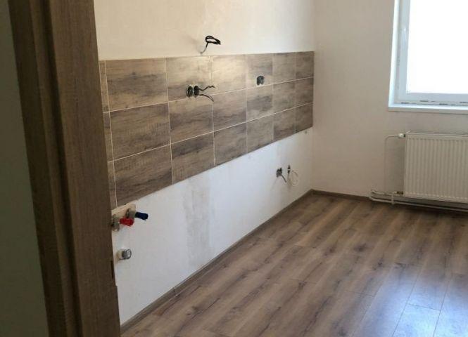 2 izbový byt - Nová Baňa - Fotografia 1