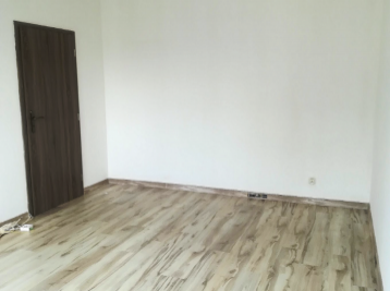 4-i byt, 72 m 2 REKONŠTRUKCIA s pekným výhľadom na okolie