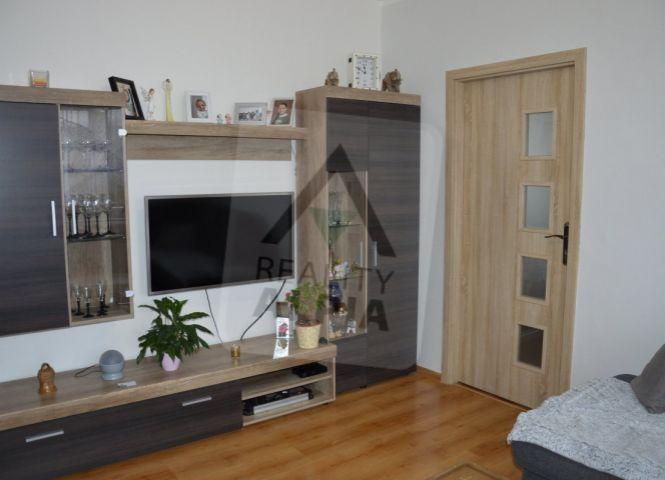 3 izbový byt - Považská Bystrica - Fotografia 1
