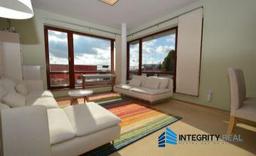 REZERVOVANĚ - Lukratívny 4 izbový byt, terasa 65,8 m2, parkovacie miesto