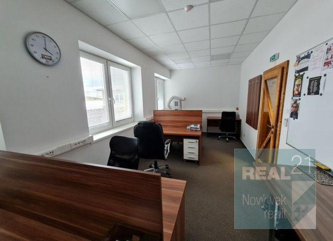 kancelárie - Považská Bystrica - Fotografia 1