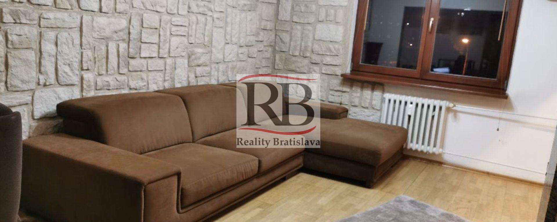 3-izbový byt-Prenájom-Bratislava - mestská časť Nové Mesto-590.00 €