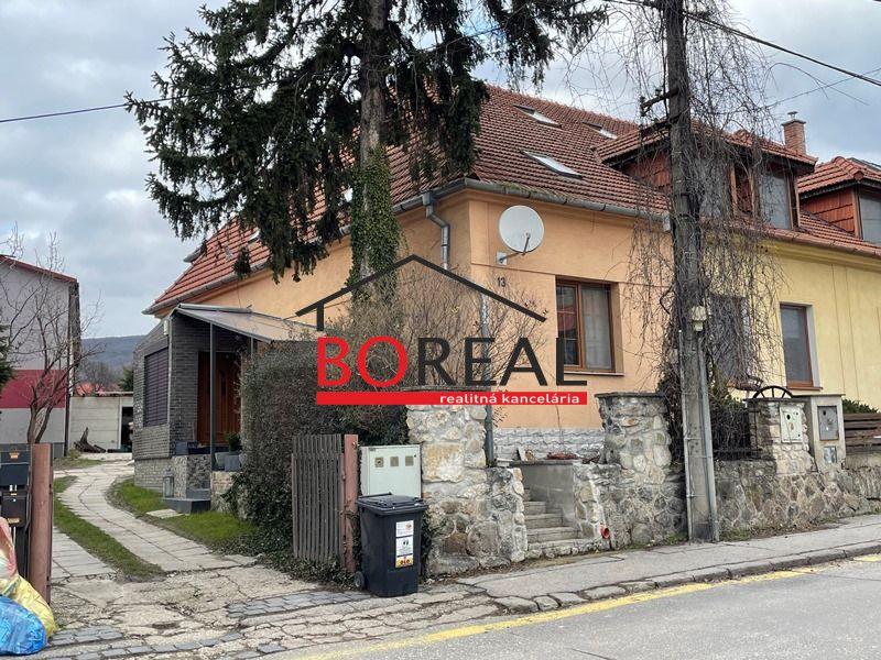 Rodinný dom-Predaj-Bratislava - mestská časť Rača-280000.00 €