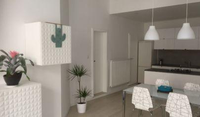 PRENÁJOM - krásny, veľký 3-izbový byt na pešej zóne v Starom Meste, Klariská.