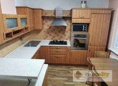 3043 Na predaj 3-izb.byt s 2 loggiami v Nových Zámkoch