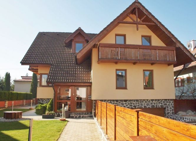 Rodinný dom - Stará Lesná - Fotografia 1