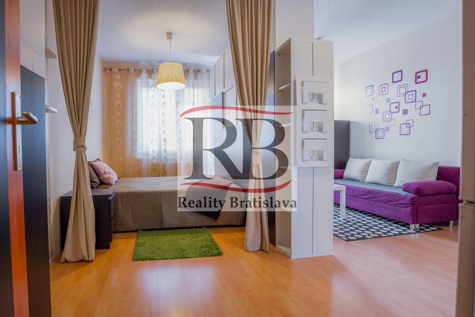 1-izbový byt-Predaj-Bratislava - mestská časť Petržalka-128300.00 €