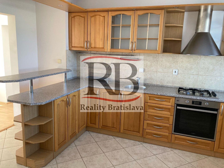 3-izbový byt-Prenájom-Bratislava - mestská časť Ružinov-750.00 €