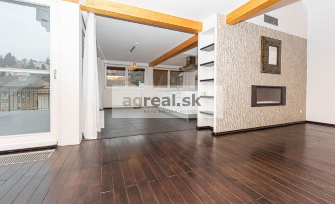 Luxusný 3-izbový byt pod Slavínom, 180 m², Šulekova ulica s parkovaním