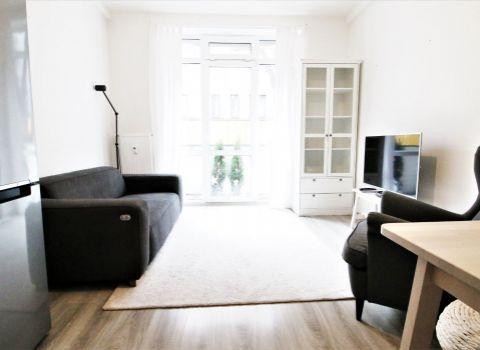 Na prenájom 3 izbový byt s dvomi balkónmi a  bezproblémovým parkovaním v Starom Meste na Holekovej ulici.