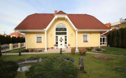 Rodinný dom - Ubytovanie - Podnikanie na predaj krôčik od termálneho kúpaliska