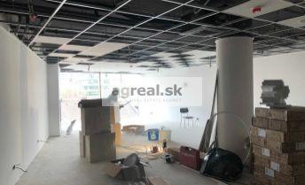 Obchodno - prevádzkový priestor vhodný na showroom, ambulanciu, služby, kancelárie 96 m2 vo Vienna Gate (1.posch)