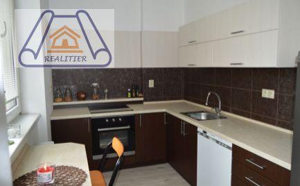 3-izbový byt, ihneď k dispozícii a zariadený