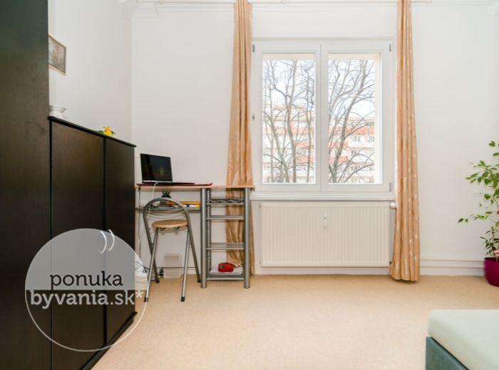 REZERVOVANÉ - ČSL. PARAŠUTISTOV, 1-i byt, 18 m2 – REKONŠTRUKCIA bytu a domu, BEZBARIEROVÝ VÝŤAH