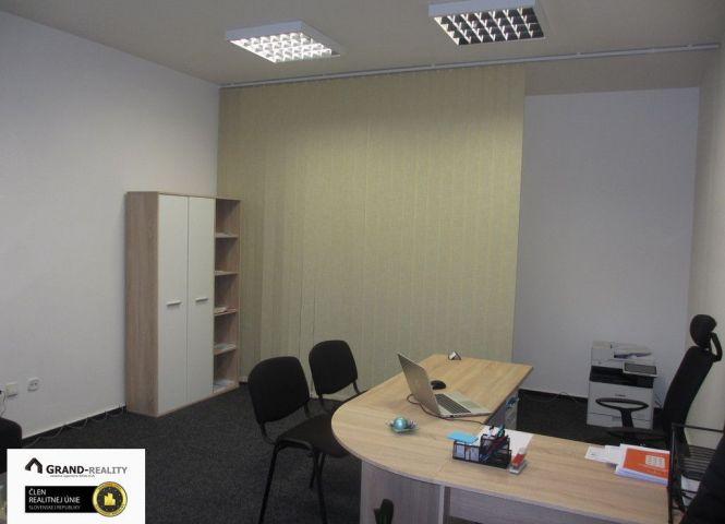 kancelárie - Skalica - Fotografia 1