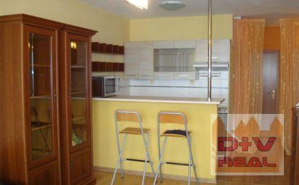 2 izbový byt, Zadunajská cesta, Petržalka, 530 EUR vrátane energií a internetu