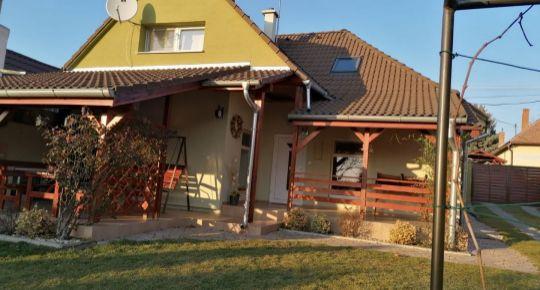 REZERVOVANÉ Rodinný dom s krásnou záhradou, kompletná rekonštrukcia, Horné Obdokovce (Topoľčany)