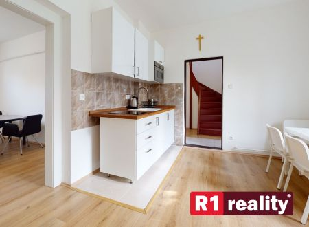 Rodinný dom /pozemok 1438 m2/ Malacky REZERVOVANÝ