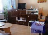 --PBS-- ++100% AKTUÁLNY++ Väčší 1.-izb. byt o výmere 42 m2 v pôvodnom stave, ulica A. Kubinu++