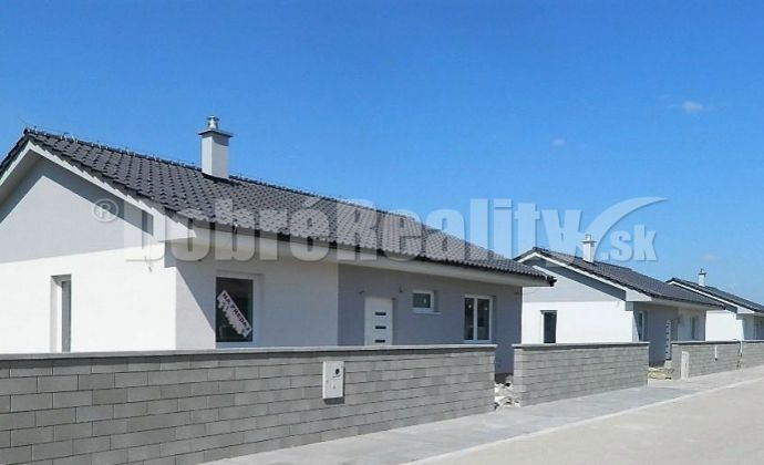 Novostavba  4-izbový bungalov v príjemnom prostredí