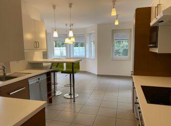 PROMINENT REAL prenajme pekný 5 izbový rodinný dom pri Horskom parku.
