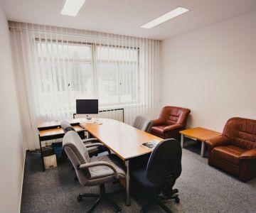 Administratívne a kancelárske priestory, Liptovský Hrádok