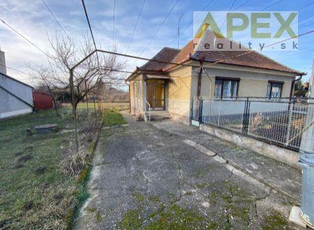 Exkluzívne APEX reality 4i. rodinný dom v Rišňovciach, pozemok 1087 m2, všetky IS