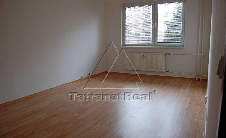 REZERVOVANÝ, 3 izbový byt v Humennom na predaj.