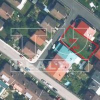 Pre rodinné domy, Nemšová, 526 m²