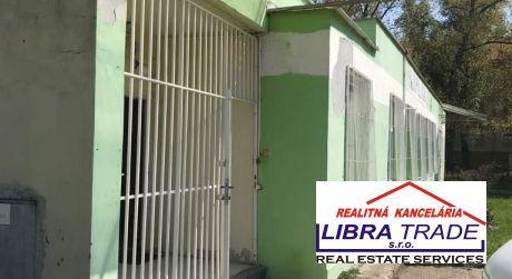 PREDAJ - čiastočne prerobený sklad v Komárne s vlastným oploteným pozemkom. DOHODA ISTÁ!