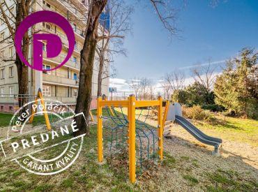 PREDANÉ: 3i byt, 73 m2 – BA – Staré mesto: byt na lukratívnej adrese s veľkým potenciálom