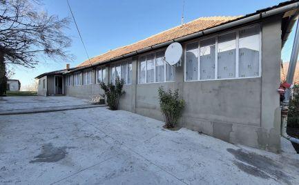 GEMINIBROKER v obci FONY 4 izbový rekonštruovaný dom