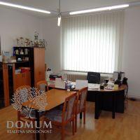 Administratívna budova, Nové Mesto nad Váhom, 160 m², Čiastočná rekonštrukcia