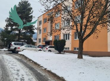 REZERVOVANÉ - Exkluzívne ponúkame na predaj veľký 4 izbový byt v centre mesta