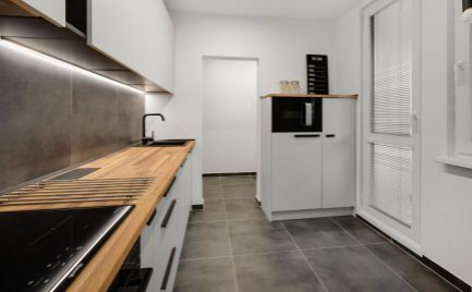 Ponúkame na predaj jedinečný  4 izbový byt s veľkou loggiou