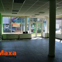 Obchodné, Senica, 118 m², Kompletná rekonštrukcia