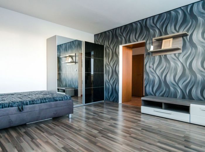 FEDINOVA, 1-i byt, 35 m2 - KOMPLETNÁ REKONŠTRUKCIA, výborná občianska vybavenosť, CHORVÁTSKE RAMENO