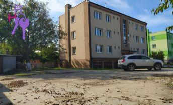 Na predaj 3 izbový byt + garáž pod bytovým domom na Modranskej ulici v Trnave.