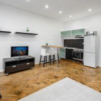 2 izbový byt, Bratislava-Staré Mesto, 43 m², Kompletná rekonštrukcia