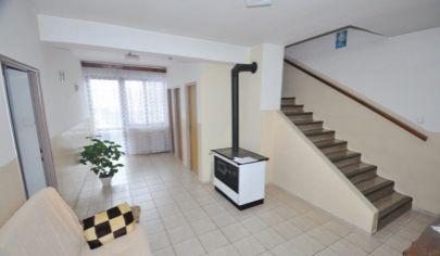PREDAJ -  4- izbový rodinný dom Lozorno, Hlavná.