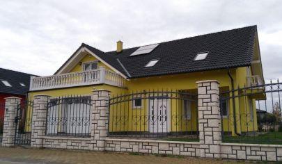 Na predaj rodinný dom Chorvátsky Grob, Čierna Voda - Drozdia ulica.