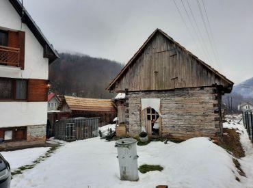 Rodinný dom  Dolná Maríková, pozemok 367 m2 (v rekonštrukcii)