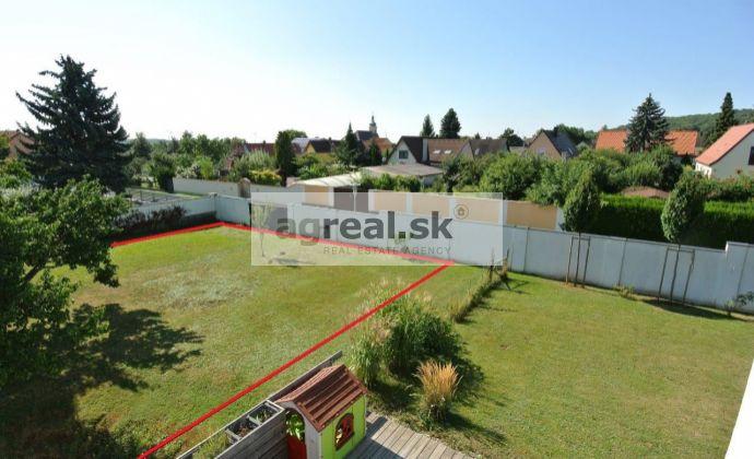Predaj- exkluzívny stavebný pozemok (600 m2) v pokojnej ulici malebnej obce Edelstal (12 km od Bratislavy), Rakúsko- Burgenland