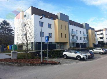 ** NOVOSTAVBA ** Na predaj nový moderný 2-izbový byt s lóggiou a súkromným parkovacím miestom - Nové Mesto n/V