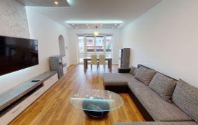 Na prenájom 4-izbový byt, TN, časť Noviny o rozlohe 103 m2 s garážou.