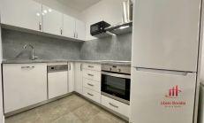 2 izbový kompletne zrekonštruovaný byt, Komárno, prenájom