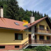 Rodinný dom, Banská Bystrica, 370 m², Čiastočná rekonštrukcia