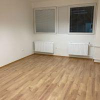 Kancelárie, Bratislava-Dúbravka, 24 m², Kompletná rekonštrukcia